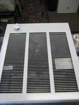 GREAT WORKING MINI ELECTRIC WALL HEATER in Yucca Valley, California