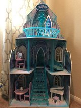 Kidkraft Disney Frozen Ice Castle Dollhouse in Nellis AFB, Nevada