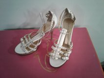 GUESS High Heels * gold and white * Size 9 in San Clemente, California