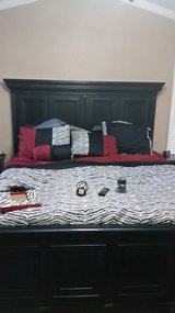 Queen Comforter with 2 lamps in Baytown, Texas