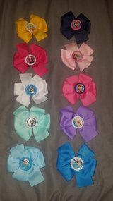 Girls Disney Frozen hair bows in Nellis AFB, Nevada