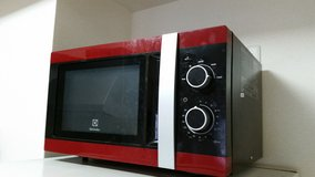 Microwave - Electrolux, 700watt With Turntable in Okinawa, Japan