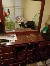 Free dresser with mirror in Bolingbrook, Illinois