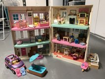 Fisher-Price Loving Family Dollhouse etc. in Shorewood, Illinois