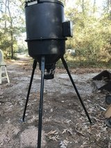 Moultrie Deer Feeder Elite 30 Gallon Tripod Feeder with digital timer. in Tomball, Texas