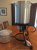 Outdoor Turkey Fryer - Never used in Sugar Grove, Illinois