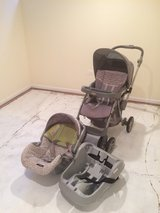 Graco - Flip It Reversible Handle Travel System, Strata in Chicago, Illinois