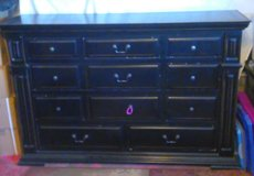 Dresser and End Table in Alamogordo, New Mexico