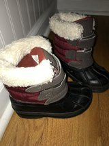 Toddler snow boots size 8 EUC in Orland Park, Illinois