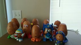 Large Lot Mr./Mrs. Potato Heads in Shorewood, Illinois