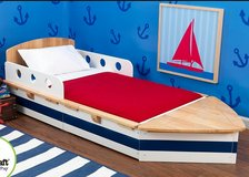 I'm Looking for this kids boats bed? in Naperville, Illinois
