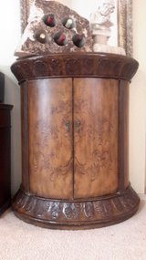 Beautiful Half Moon hand Carved Wood Console Table Cabinet in Alamogordo, New Mexico