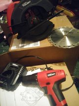 Circular saw and 12v drill driver in Fort Campbell, Kentucky