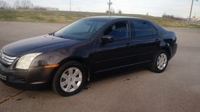 Reduced...07 Ford fusion...Good Deal in Fort Campbell, Kentucky