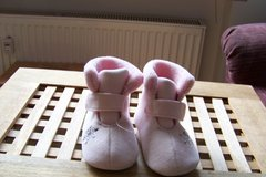 Baby girl booties in Hohenfels, Germany