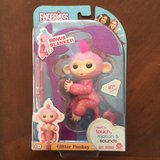 WowWee Authentic Fingerlings Monkey Glitter Rose Pink w/Blanket Amazon Exclusive in Sugar Grove, Illinois