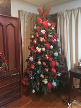7.5 Christmas tree with decorations in Okinawa, Japan