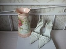 white ivory retro wedding shoes in Ramstein, Germany