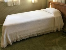 Twin Bedspreads in Elgin, Illinois