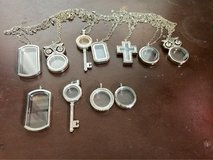 Floating lockets in Fort Campbell, Kentucky