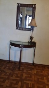 Entryway table, mirror and lamp REDUCED in Fort Polk, Louisiana