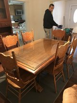 Dinning room table and chairs in Cherry Point, North Carolina