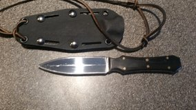 Small double edged neck or boot knife w/ buffalo horn handles in Camp Lejeune, North Carolina