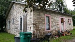 Corner Home on a Large Lot for Rent!! in Bellaire, Texas