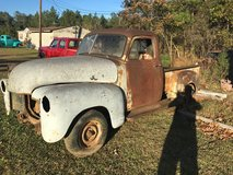 1953-Chevy truck in Leesville, Louisiana