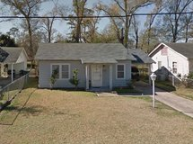 2-Bedroom Home w/ 1 Bath For Rent! in Bellaire, Texas