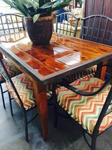Unique table and 6 chairs in Beaufort, South Carolina