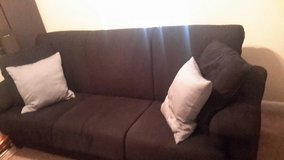 Sofa (converts to bed) in Fort Belvoir, Virginia