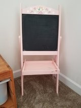 Small Easel in Morris, Illinois