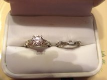 Engagement ring and matching wedding bands in Mobile, Alabama