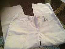 Women's khaki capris sz8 in Fort Polk, Louisiana