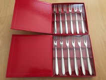 CRATE AND BARREL APPETIZER FORKS - TWO SETS OF 6 (12 TOTAL) New in Schaumburg, Illinois