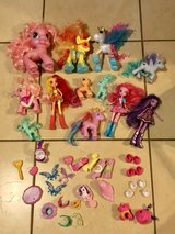 Huge Lot of 20+ My Little Ponies, Equestrian Dolls & Accessories EUC in Travis AFB, California