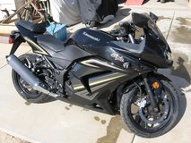 2012 Kawasaki Ninja 250R, Only 7500 miles, runs like new in 29 Palms, California