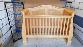 Grow With Me 3-in-1 Convertible Crib / Cot in Lakenheath, UK