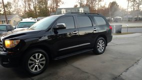Toyota Sequoia Limited Loaded 3 Rd Row in Camp Lejeune, North Carolina