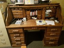 Desk, large, executive in Chicago, Illinois