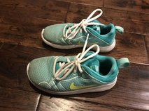 Size 13 girl Nike's in Chicago, Illinois