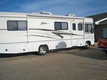 2003 FLEETWOOD MOTORHOME         REDUCED in Fort Campbell, Kentucky