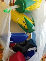 bag of plastic glasses and other kitchen stuff in Tampa, Florida