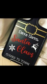 Santa countdown chalkboard paddle decor in Keesler AFB, Mississippi
