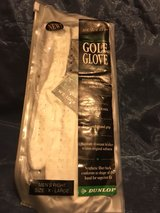 Dunlop Right Golf Glove in Pleasant View, Tennessee