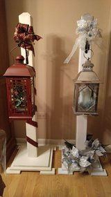 Christmas post with lantern in Naperville, Illinois