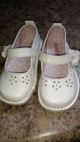 Toddler's girls shoes in Fort Campbell, Kentucky