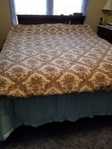 Full size comforter in Fort Riley, Kansas