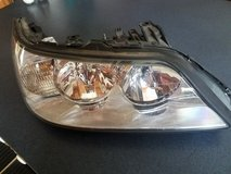 Lincoln Towncar  - 2005-2009, Right Front Headlight Assy in Naperville, Illinois